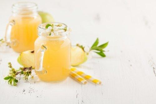 Homemade apple juice Frosts Garden