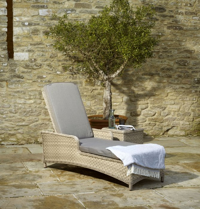 Blenheim Lounger with Coffee Table - image 1