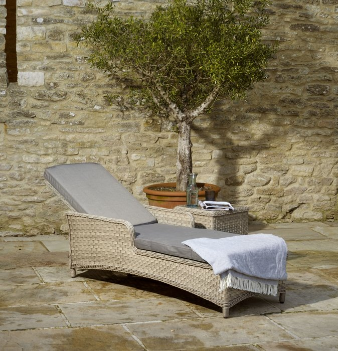Blenheim Lounger with Coffee Table - image 2